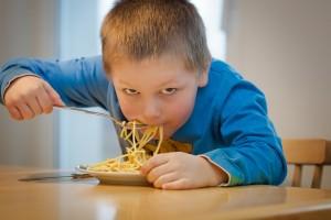 children eating debelo pix