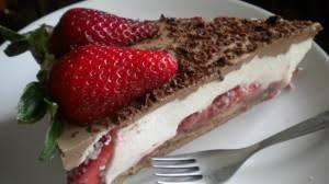 Лека ягодова торта 2
