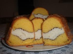 dvucveten cake