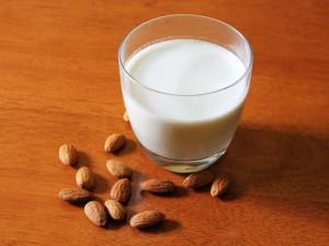 almond milk 1