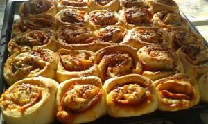 Вкусни охлювчета с колбас