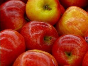 apple cherveni