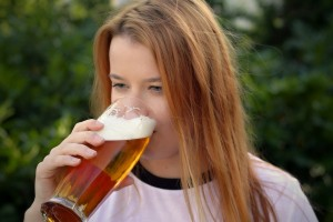 woman beer pix