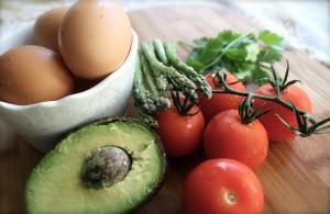 avocado tomato asparagus egg pix