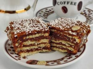 Бисквитена торта с крем от тахан халва