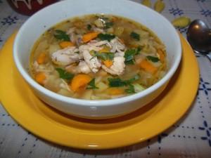 Пилешка супа по градинарски