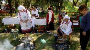 festival zabraveni tradicii obredni trapezi 3