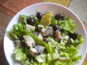 зелена салата с херинга 1