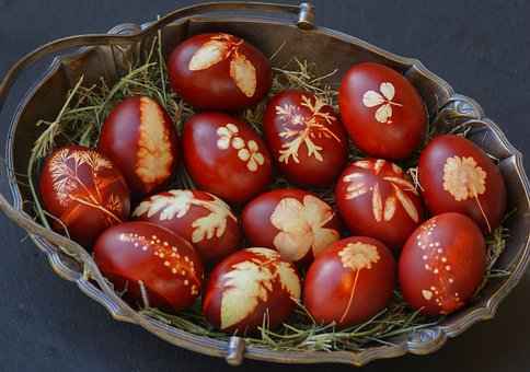 easter-eggs-red pix