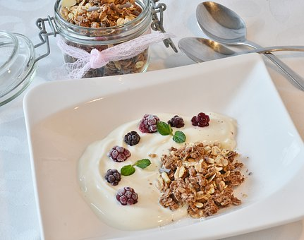 greek yogurt musli pix