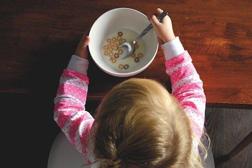 kids eating pix 4