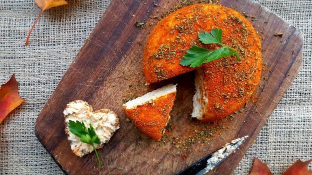 Веган сирене от кашу с ароматни билки