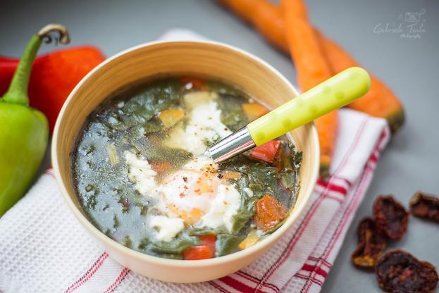 Спаначена супа с булгур