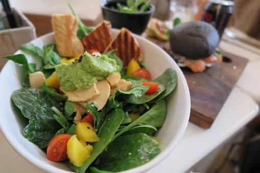 salata spanak avocado pix