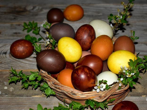 Великденски яйца с естествени багрила